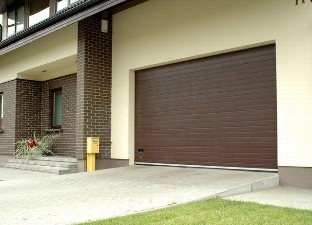 Секционные гаражные ворота Alutech Classic с торсионной пружиной шириной 2,5 м и высотой 2 м