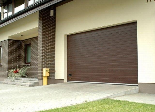 Секционные гаражные ворота Alutech Classic с торсионной пружиной шириной 2,8 м и высотой 2 м